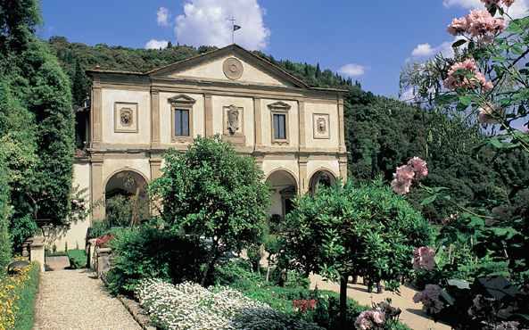 Gardens of Italy features beautiful, important, unusual and private gardens